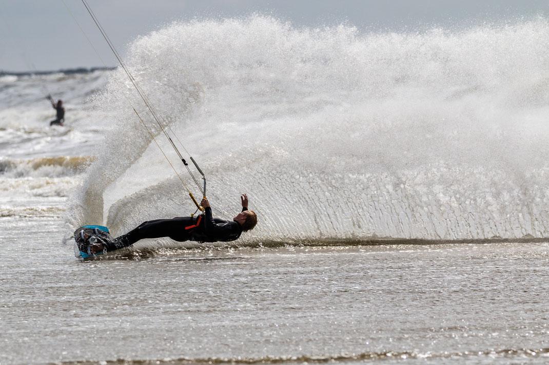 Wave kitesurfing Wijk aan Zee 2016
