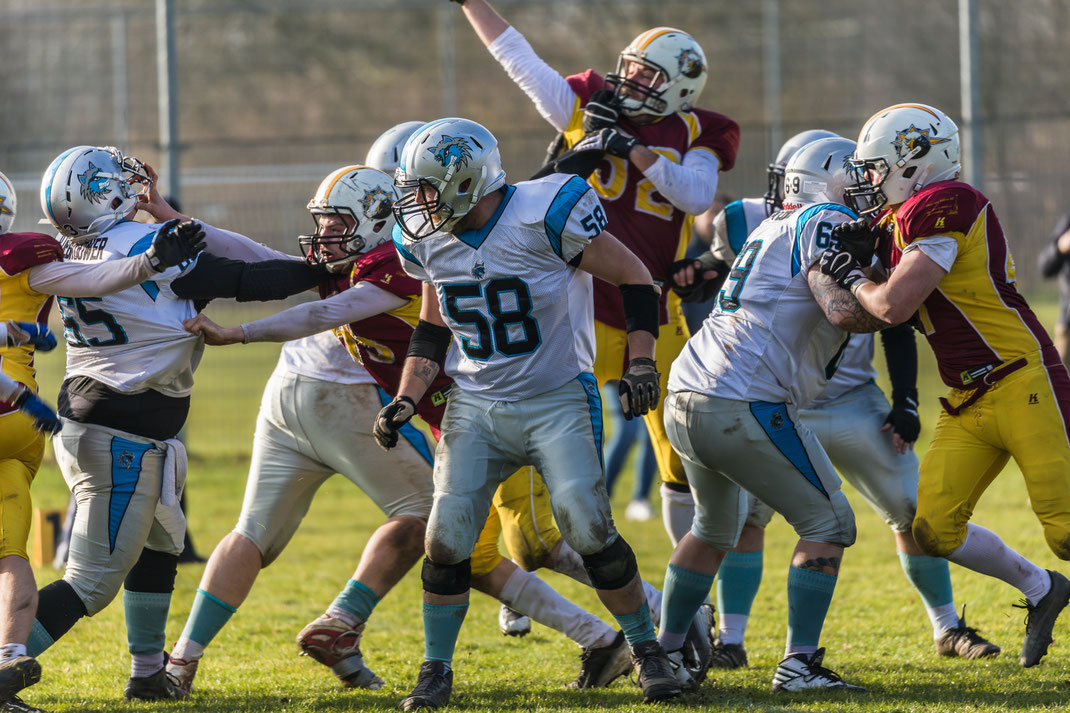 American football - Alphen Eagles vs Tilburg Wolves