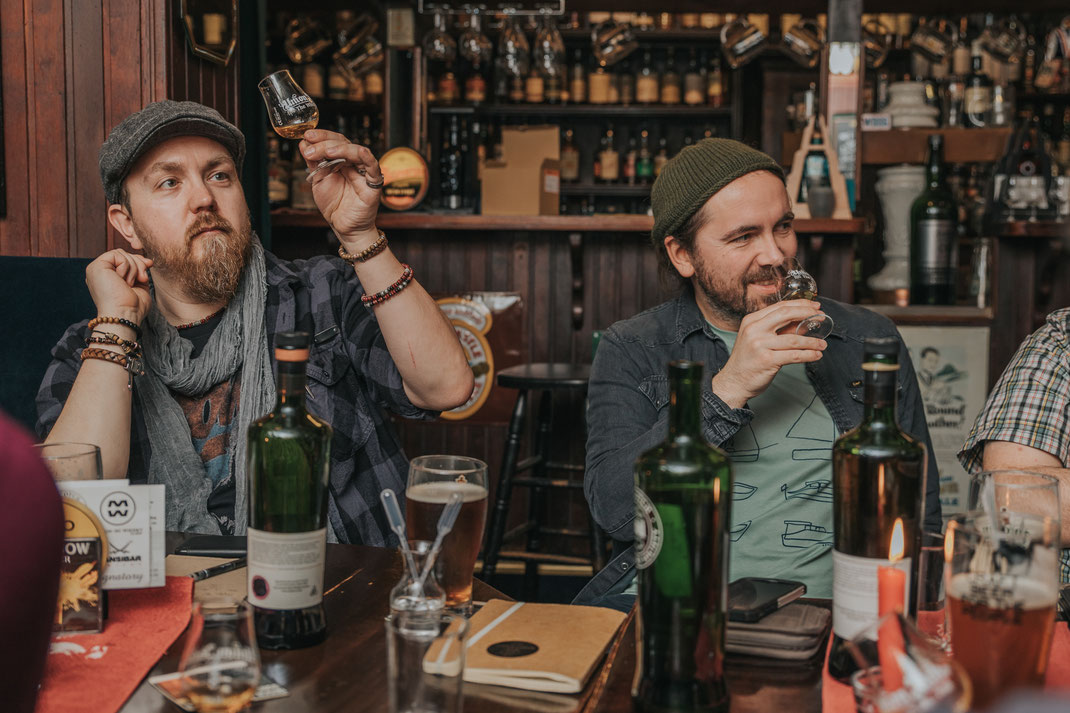 content creation social media magazin reportage berlin the scotch malt whisky society whisky tasting content creator fotografin