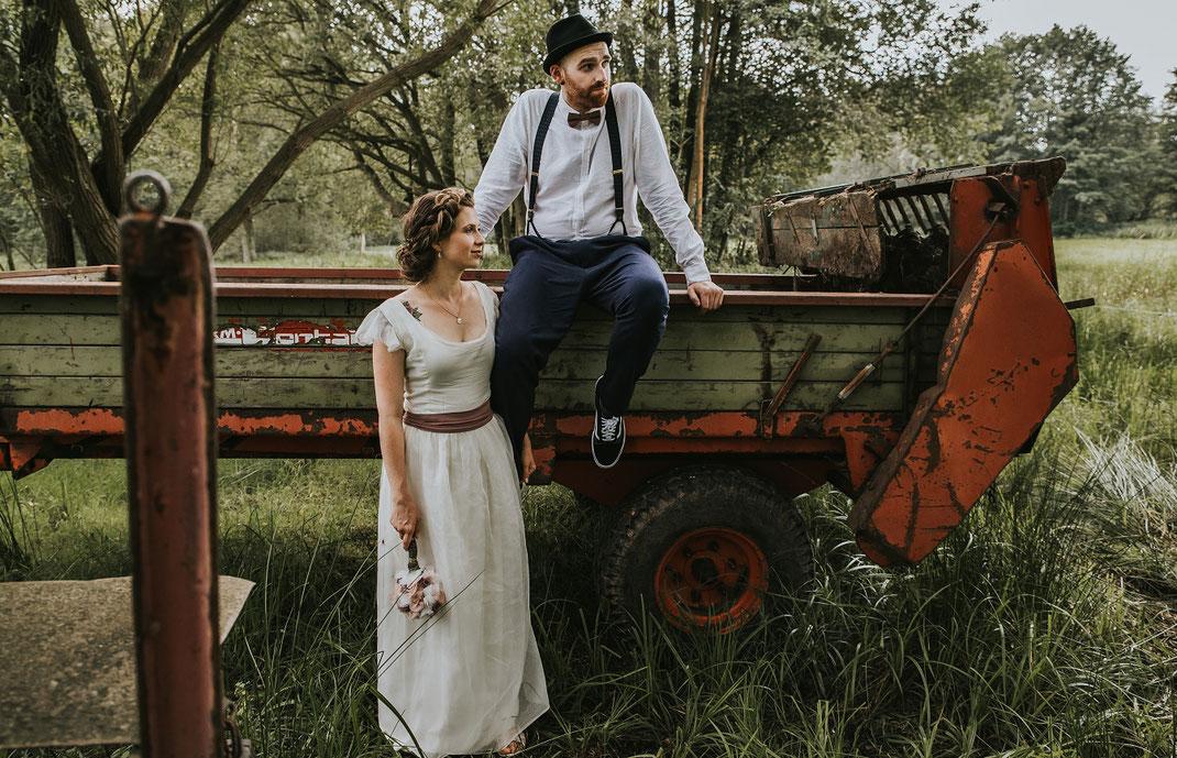 Paarshooting Freie Trauung Spreewald authentische Hochzeitsfotografin Berlin Couple Shooting outdoor draußen in Natur Spreewald Natürlichkeit Wald