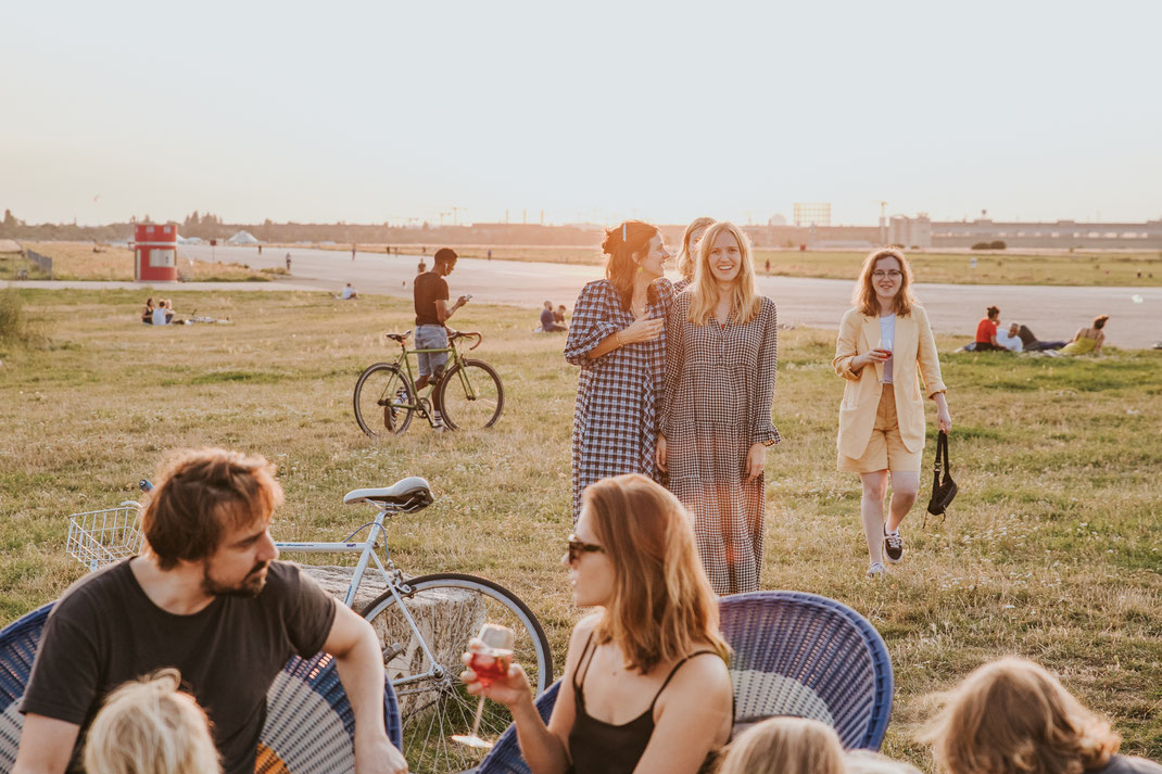 Influencer Event Berlin Tempelhofer Feld this is jane wayne blogger Vincent Aperitif Gretchen Gin Content Creation Food and Beverage Nadine Kunath Fototgrafin Berlin Brandenburg