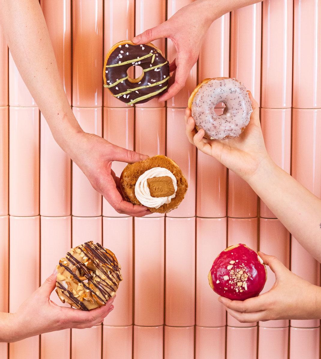 Social Media Content Creation Fotografie für Social Media vegane Donuts Berlin Brammibal's Donuts Produktfotografie Facebook Instagram Content Creator Berlin Foodphotography