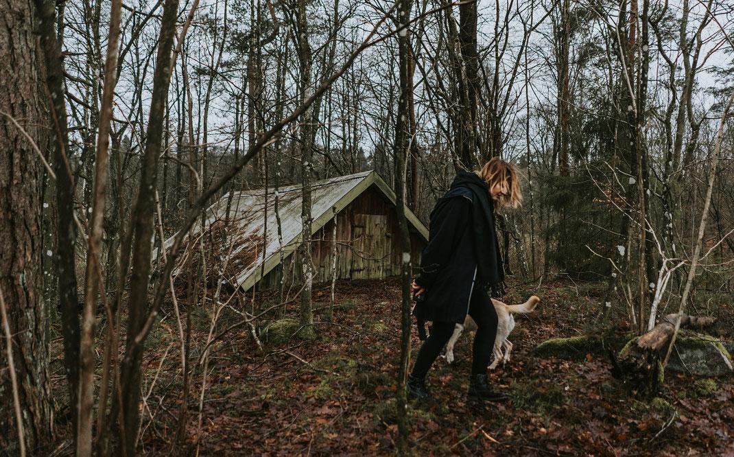 Selbstportrait mit Hund skane suedschweden nadine kunath reise fotografie travelphotographer reisefotografin berlin