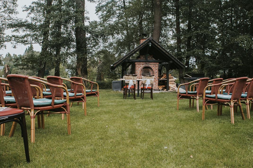 Holzofen Aufbau Freie Trauung Hochzeitsfotograf Berlin Spreewald Ferienhof Spreewaldromantik Hochzeitsreportage