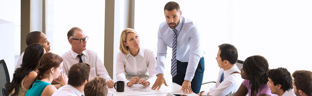 Nahe am Menschen, näher am Erfolg: Binden Sie Ihre Mitarbeiter frühzeitig in die Bewältigung der Krise ein.