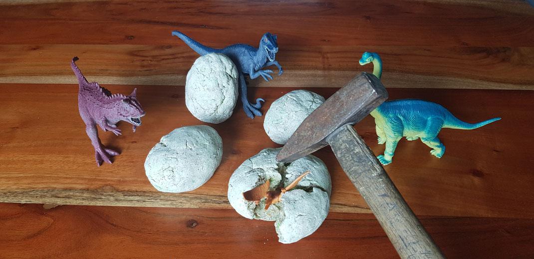 Selbstgemachte Dinoeier