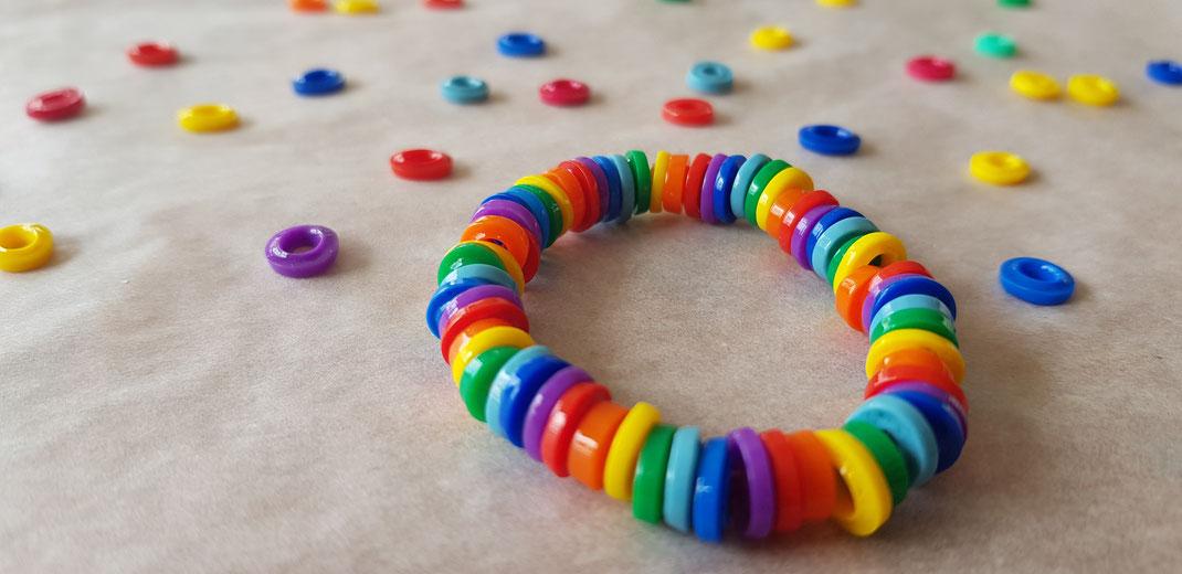 Regenbogenarmband
