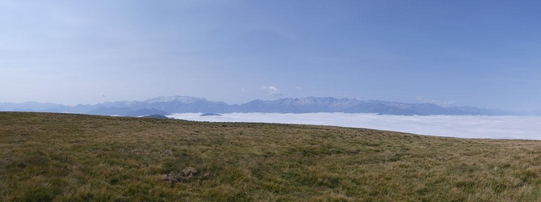 Un aperçu du panorama impressionant depuis le plan de Montmajou.