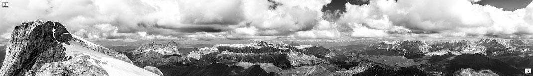 Panorama dal ghiacciaio della Marmolada verso gruppo Sasso Lungo, gruppo del Sella, Tofane.