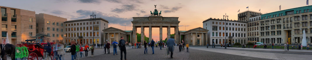 Berlin Tagesfahrt Tagesausflug Fahrt Bundestag Gruppen Spree Gruppenreisen Busreise Busgruppe