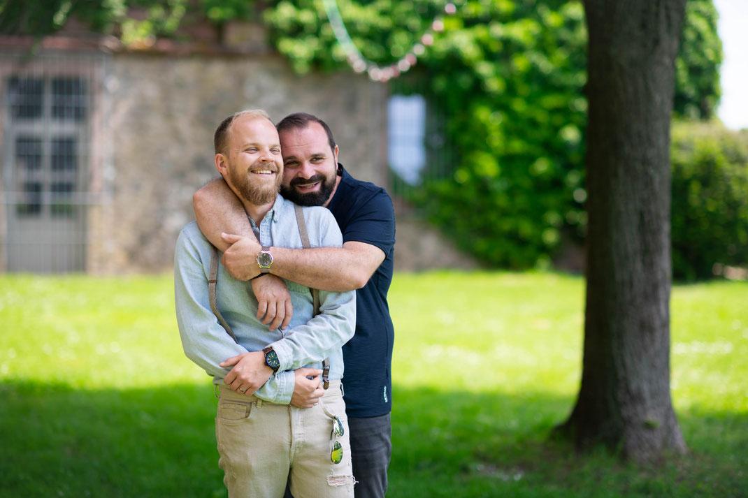 Wie fotografiere ich gleichgeschlechtliche Paare