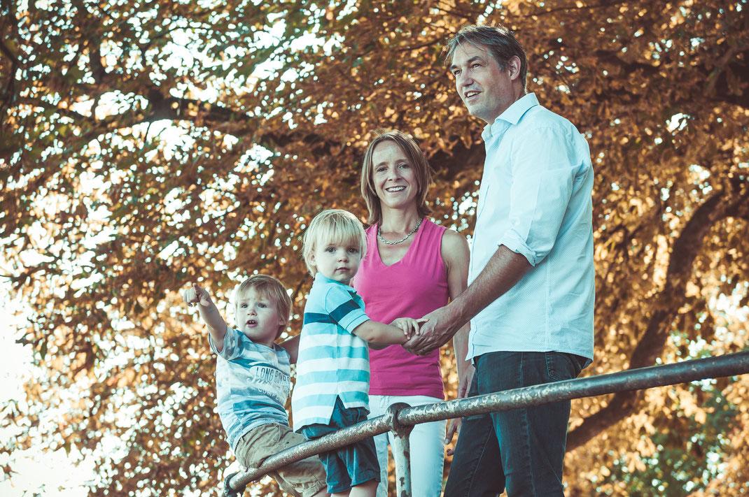 Fotograf für professionelle, authentische und romantische Familienfotos in Frankfurt und Umgebung Rhein-Main Gebiet