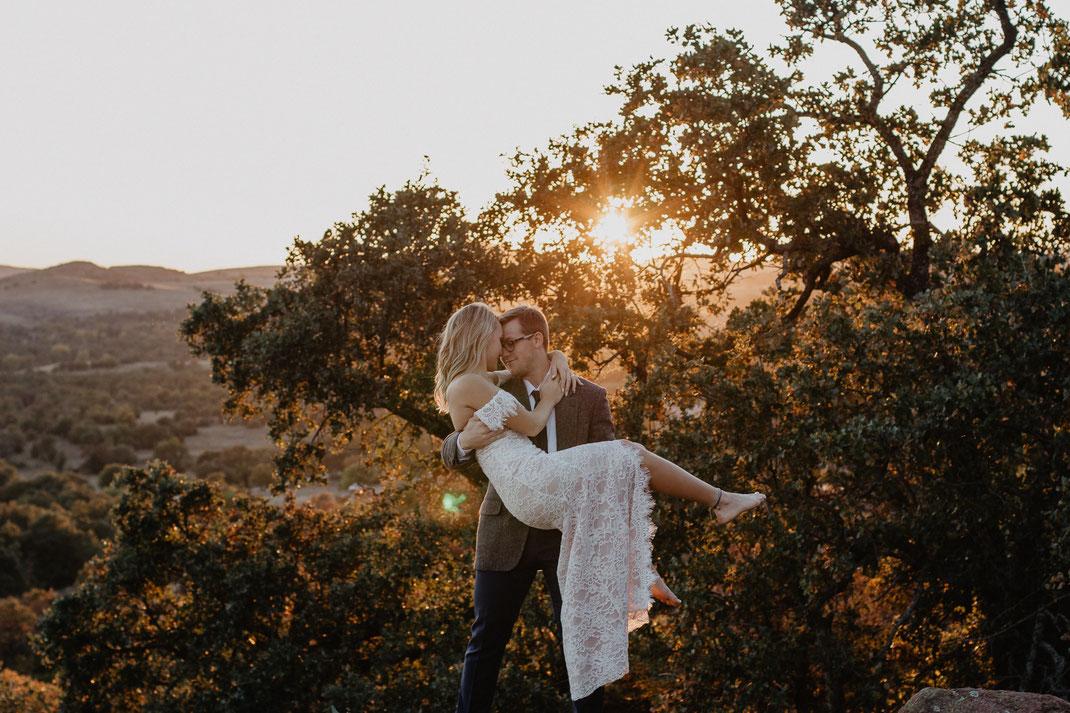 Professioneller Hochzeitsfotograf für moderne und authentische Boho Hochzeitsfotos mit Geschmack