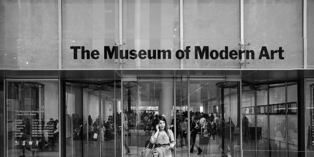 The great impact that this exhibition had on modern fashion in the MoMA, was for Domingo Carranza a revulsion for Domingo Carranza who already had a project to sell his Panama hats directly.