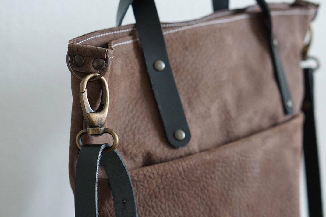 f5372c09d5d Handgemaakte leren tas    shopper AIRE - BAGGAD   Handgemaakte leren ...