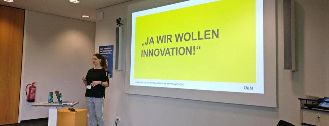 """Unterschied und Macher auf dem Barcamp der R+V Versicherung. Session zum Thema """"Pragmatisch Lösungen finden. Jenseits der Innovationstheorie."""""""
