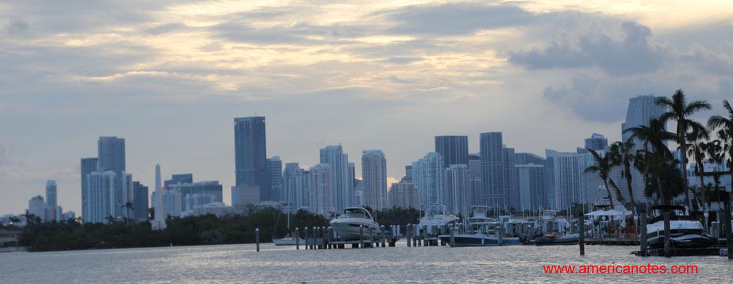 Die besten Sehenswürdigkeiten und Reisetipps für Miami, Florida. Downtown Miami.
