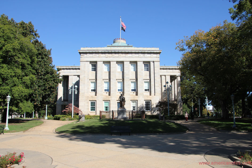 Die besten Sehenswürdigkeiten und Reisetipps für North Carolina. Capitol von North Carolina in Raleigh.