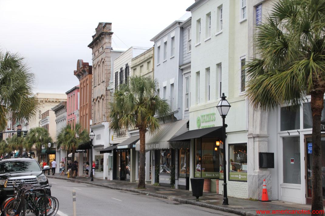 Die besten Sehenswürdigkeiten und Reisetipps für Charleston. Historische Gebäude und Fassaden in Charleston.