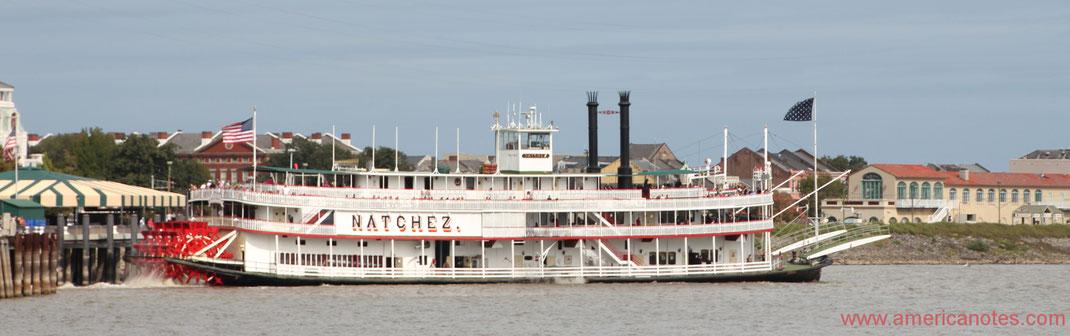 Die besten Sehenswürdigkeiten und Reisetipps für Louisiana. Dampfschiff Natchez auf dem Mississippi.