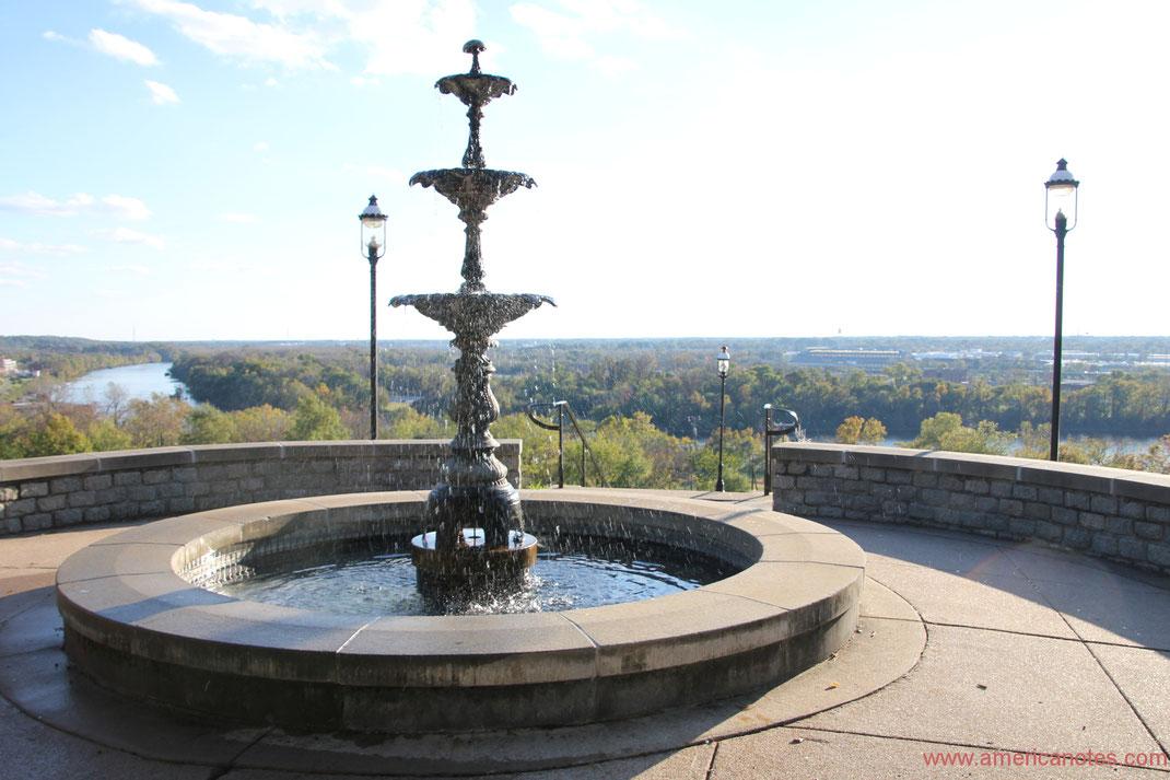 Die besten Sehenswürdigkeiten und Reisetipps für Virginia. James River in Richmond.