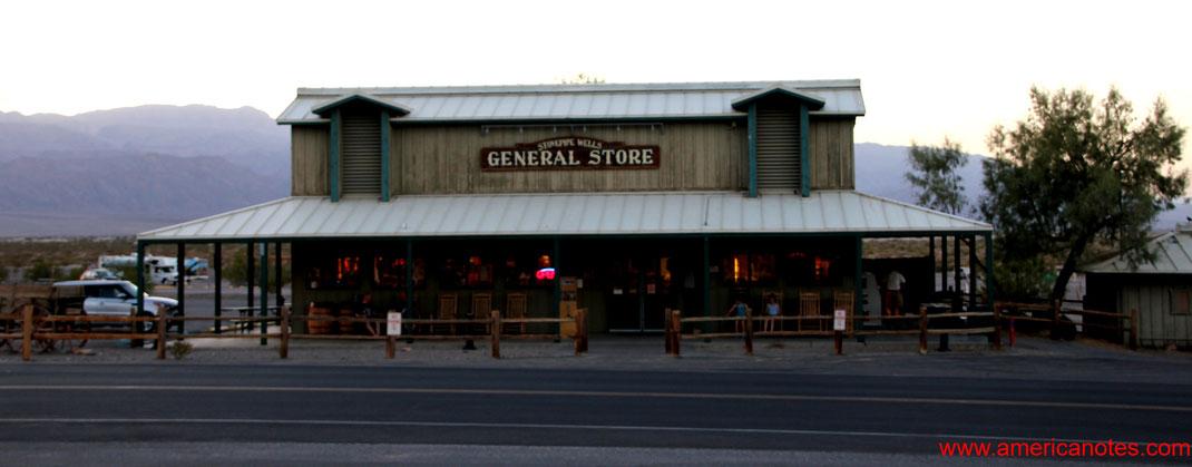 Sehenswürdigkeiten und Reisetipps im Death Valley Nationalpark. General Store in Stovepipe Wells.