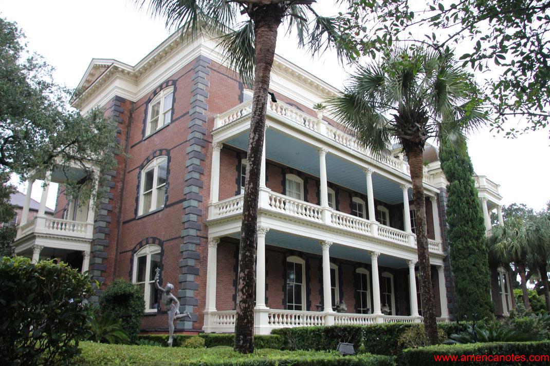 Die besten Sehenswürdigkeiten und Reisetipps für Charleston. Calhoun-Mansion.