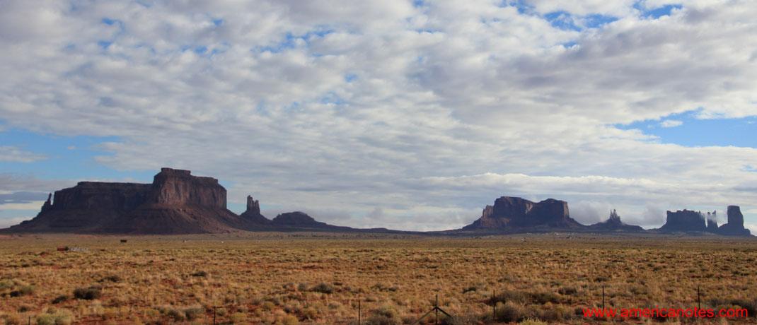 Monument Valley im Navajo Reservat. Reisetipps und Sehenswürdigkeiten.