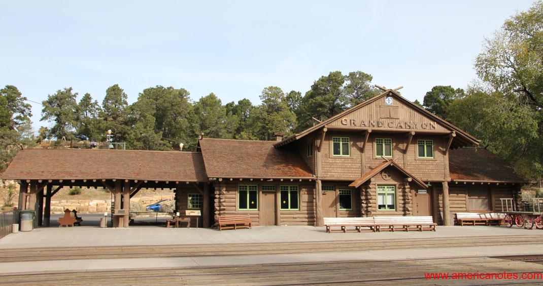 Grand Canyon Nationalpark Reisetipps und Sehenswürdigkeiten. Grand Canyon Railway Station.