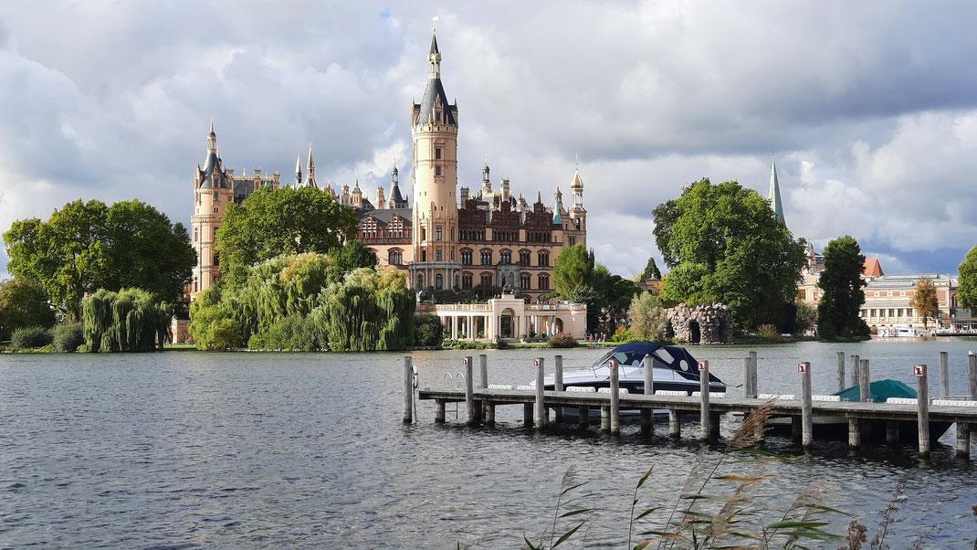Das Schweriner Schloss auf unserer Radtour in die Landeshauptstadt