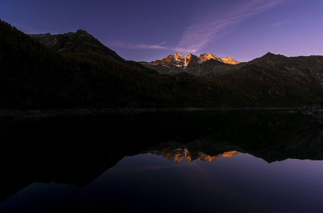 Lago di Ceresole Reale - Parco Nazionale Gran Paradiso - Montagna - Autunno - Alba