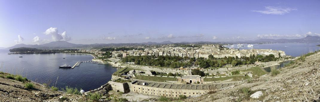 Phantastische Aussicht auf Korfu-Stadt