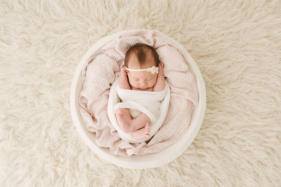 séance naissance portrait bébé portrait maman séance couple photographe toulon