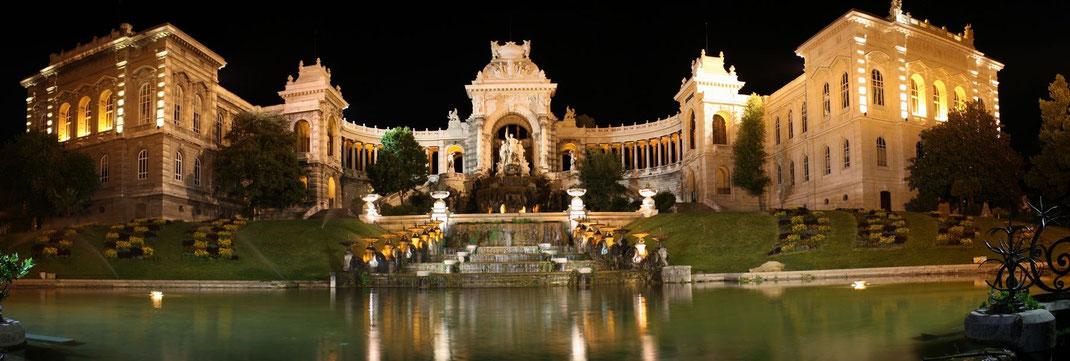 Дворец Лонгшампс - один из красивейших дворцов Марселя