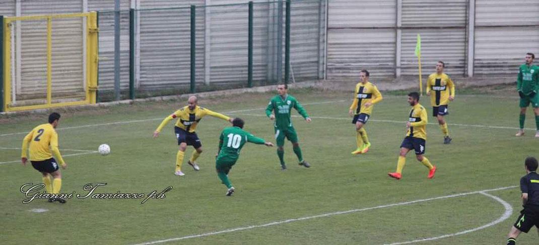 Il gol di Rosset in Rivoli-Castellazzo 0-1