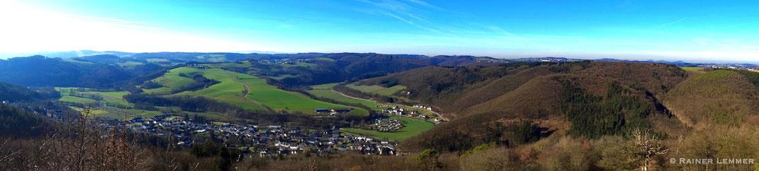 Panoramablick vom Roßbacher Häubchen