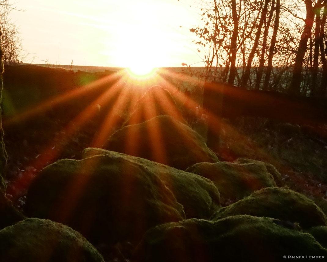 Sonnenaufgang an der Astronomisch-Kalendarischen Steinsetzung