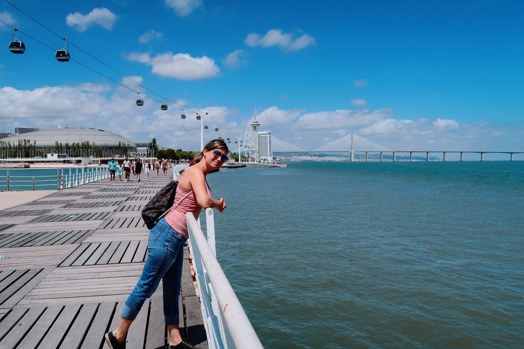 Neptun Promenade am Tejo Delta mit der Telecabine Lisboa im Hintergrund
