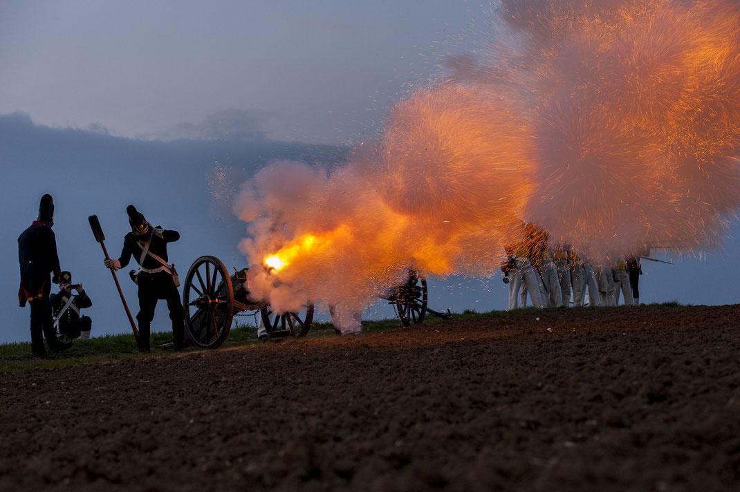 Feuer Salve Artillerie bayerische Artillerie des 4. Linie.Infanterie-Regiments Regimentes Artillerieregiment Napoleon Eichstätter Fotoclub Hetzer Eggmühl 1809 Winkelbauer