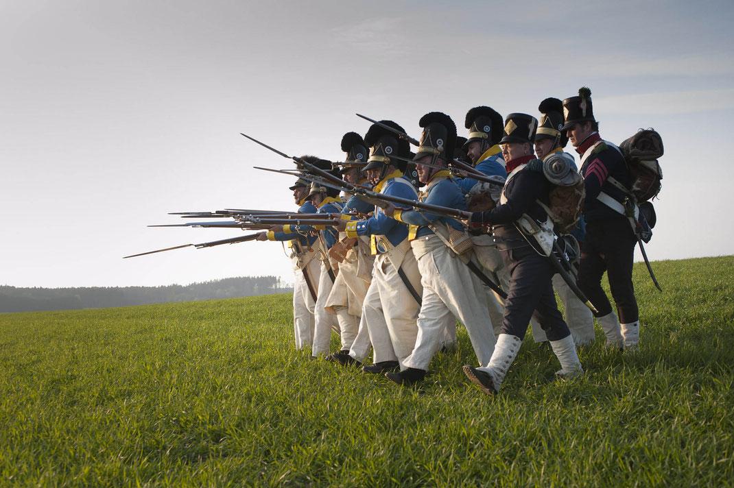 Geschichte - Kgl. baier. 4tes Linien Infanterie Regiment Angriff in Linie Eggmühl Reeanachtment baierische Infanterie k.b.4.L.I.R. königl. bay. 4- Linien-Infanterie-Regiment