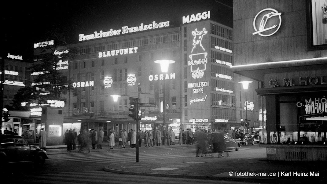 Abends in Frankfurt/Main, Leuchtreklamen