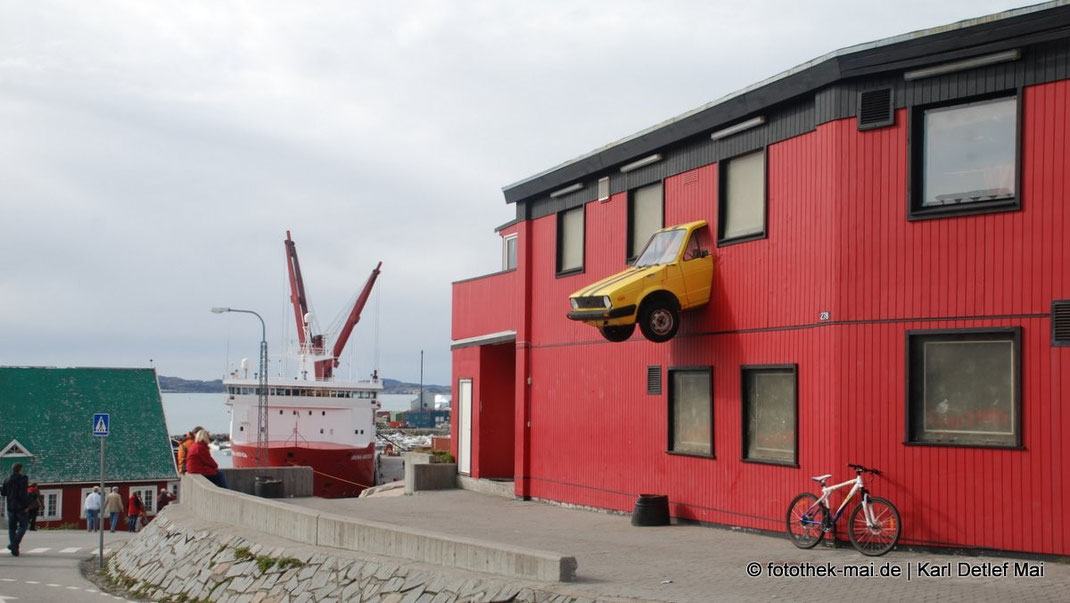 Hausfassade in Qaqortoq in Grönland