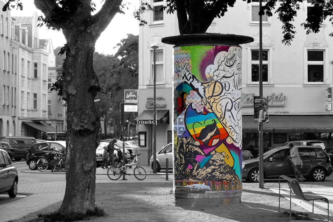 Regenbogen Litfaßsäule; (c)regenbogenfamilien-koeln.de
