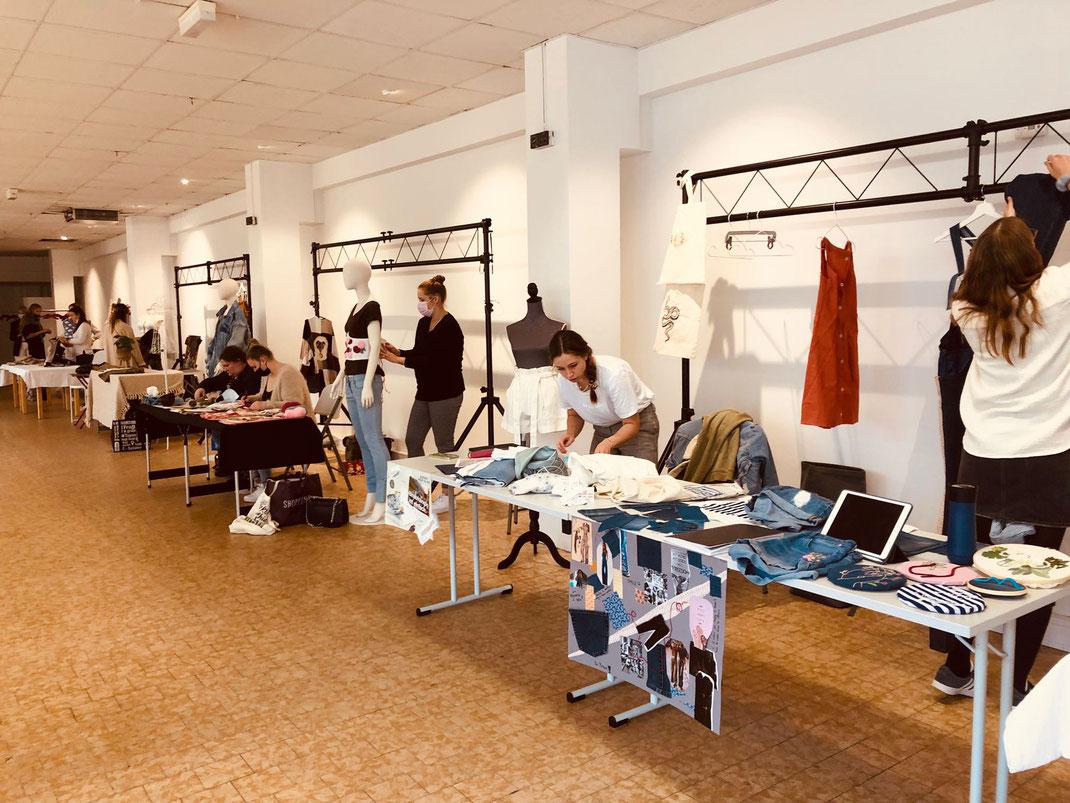 Prepearing fashionarts  am 17.09.2021 im alten Sultanmarkt  Studis der EUF Ästhetische Bildung/Textil)
