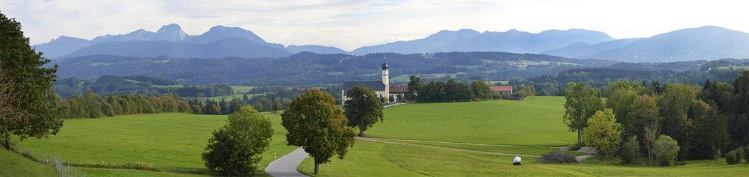 Irschenberg mit Blick zum KAISER CAMPING Bad Feilnbach