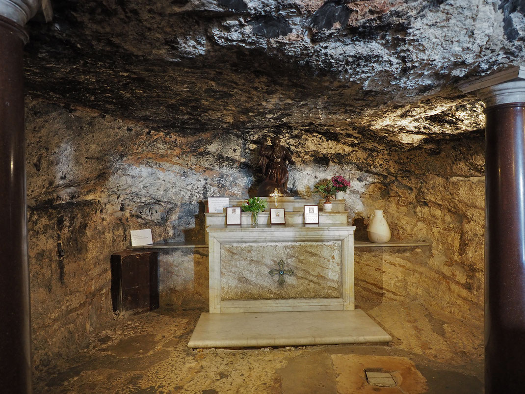 Cueva de San Elías - El Profeta Elías