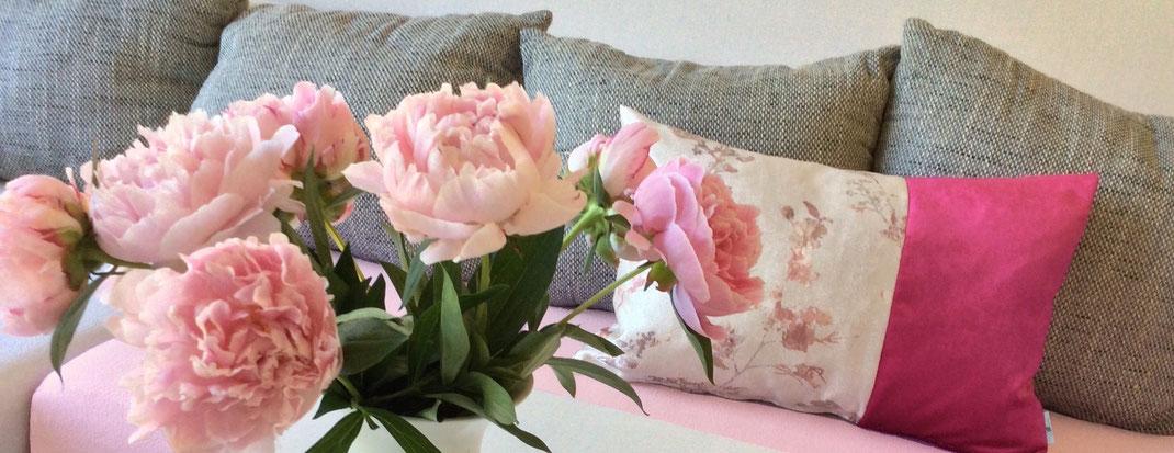 Samtkissen Blumen pink rosa