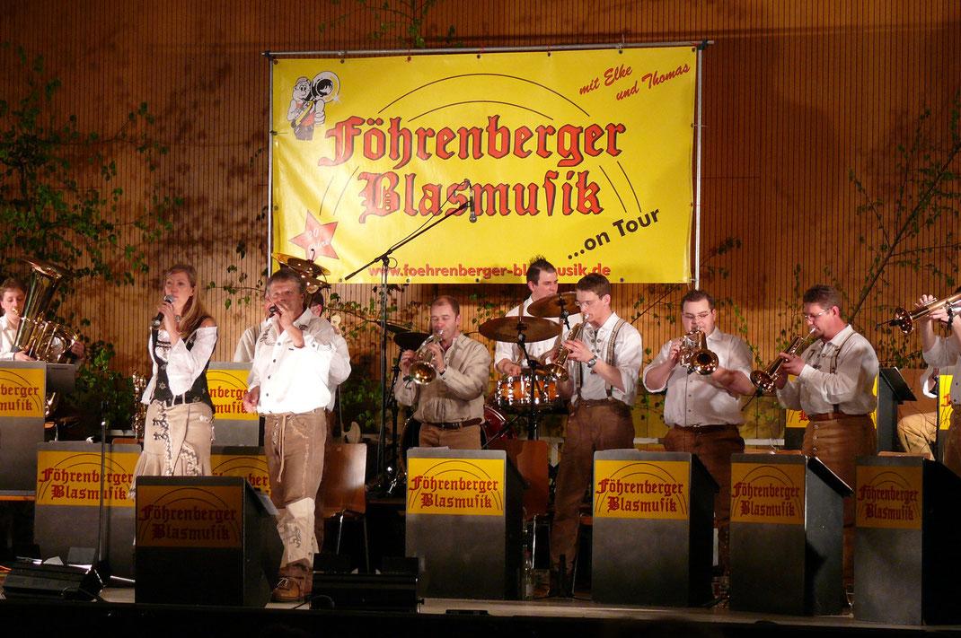 """Die """"Föhrenberger Blasmusik"""" beim Frühlingsfest des Musikverein Laimnau"""