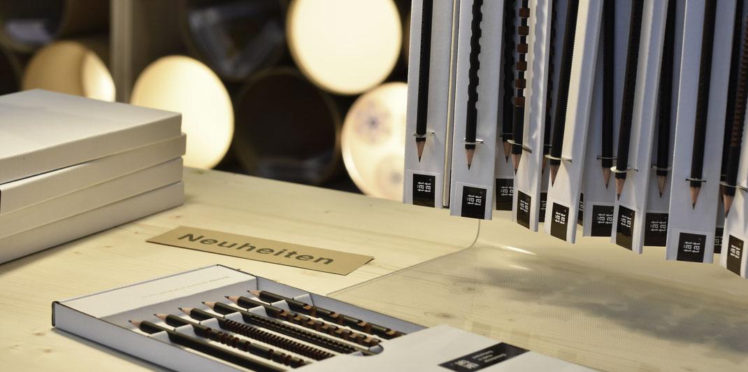 Bleistifte, skulptural ornamentiert, Blickfang Zürich, Schnitzerei, Brancusi, Bleistiftskulptur, Ilma Rakusa