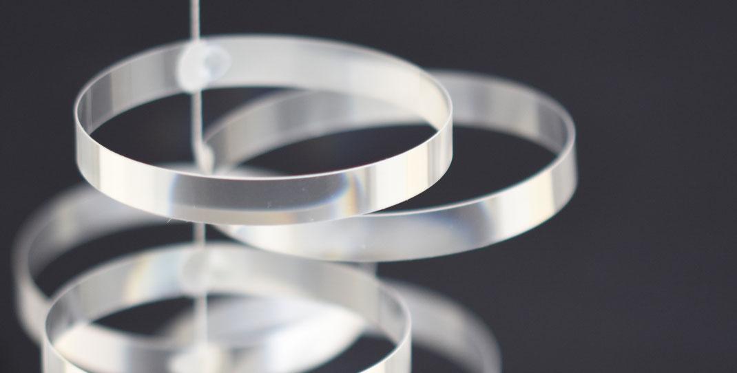 """""""circula"""" prismatisch,  gefertigt aus Flachbildschirmen"""